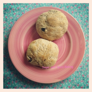 Breakfast Fibre Bread Buns with Raisins 2